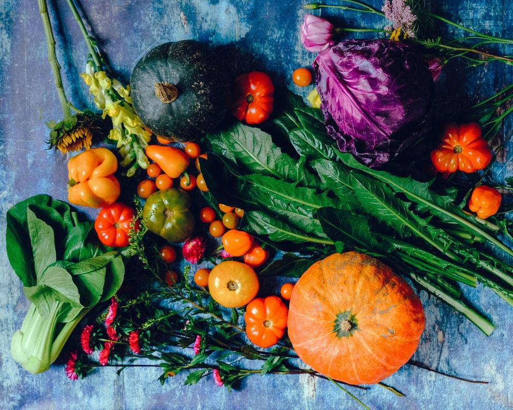 野菜や果物が置いてある様子
